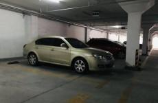 对面车位重新划线 济南红山圣都小区停车位无法停车